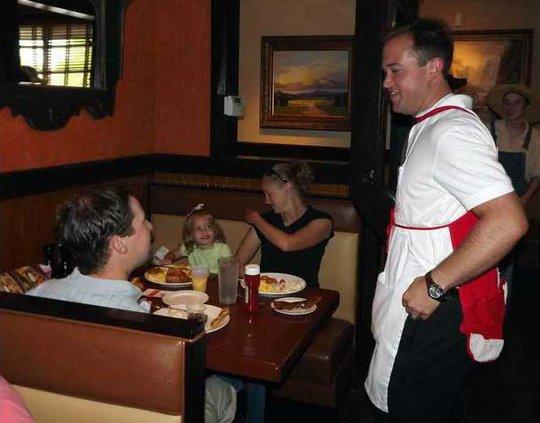 3 Celebrity Waiter pic1