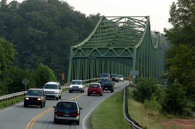 Bridge Closing pic