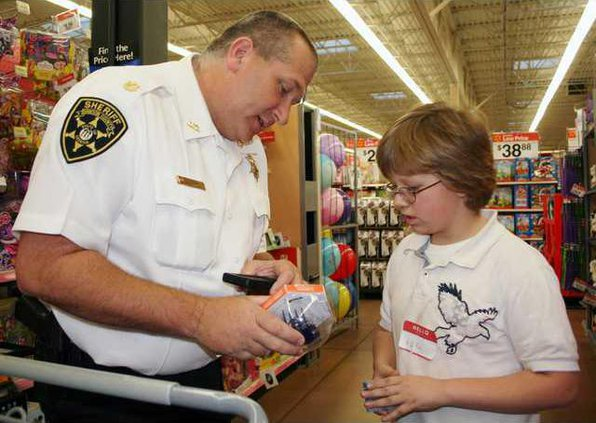 3 Shop with a Cop pic1