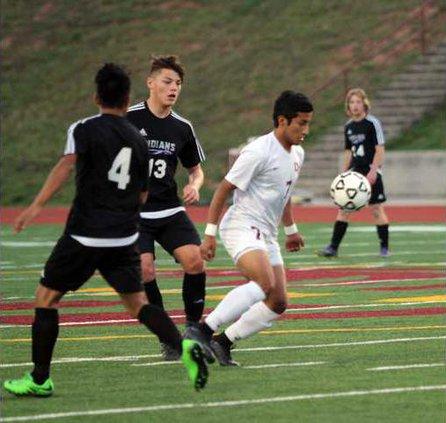 S-Varsity boys soccer pic 1